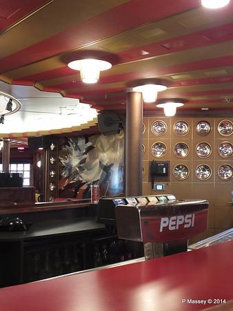 ss ROTTERDAM Ambassador Lounge PDM 13-01-2014 08-49-53