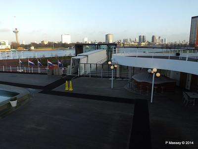 ss ROTTERDAM Lido Deck Shore Entrance PDM 13-01-2014 08-44-34