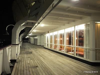 ss ROTTERDAM Promenade Smoking Room at night PDM 12-01-2014 21-27-27