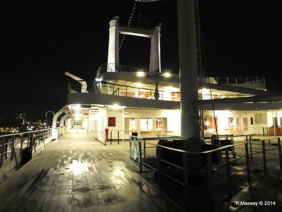 ss ROTTERDAM decks at night PDM 12-01-2014 21-35-24