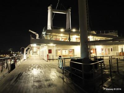 ss ROTTERDAM decks at night PDM 12-01-2014 21-35-14