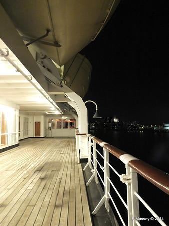 ss ROTTERDAM Promenade at night PDM 12-01-2014 21-29-24