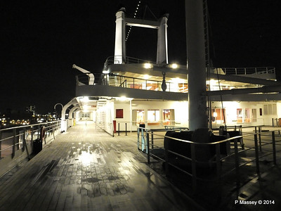 ss ROTTERDAM decks at night PDM 12-01-2014 21-35-41