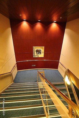 Stairwell CELESTYAL OLYMPIA PDM 18-10-2015 19-40-23