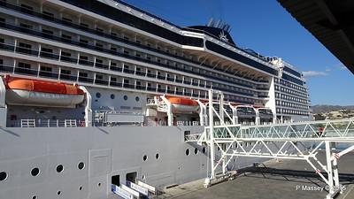 MSC POESIA Malaga Cruise Terminal 27-11-2015 14-59-30