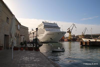 MSC POESIA Grand Harbour Valletta 24-11-2015 08-47-41