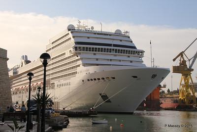 MSC POESIA Grand Harbour Valletta 24-11-2015 08-47-36