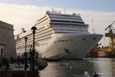 MSC POESIA Grand Harbour Valletta 24-11-2015 08-47-31