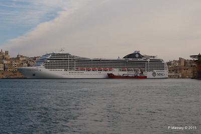 MSC POESIA Grand Harbour Valletta 24-11-2015 11-28-28