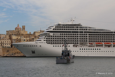 MSC POESIA Grand Harbour Valletta 24-11-2015 11-47-35