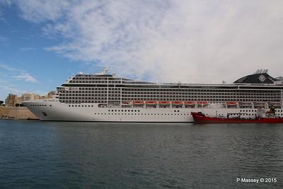MSC POESIA Grand Harbour Valletta 24-11-2015 11-48-18
