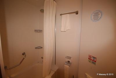 Bathroom Aurea Suite 15022 MSC POESIA 21-11-2015 16-06-35