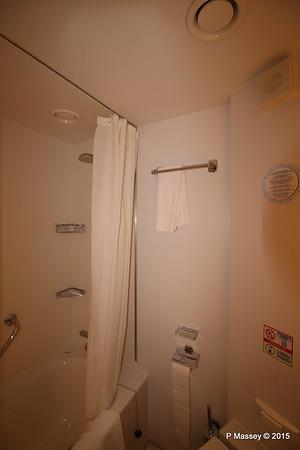 Bathroom Aurea Suite 15022 MSC POESIA 21-11-2015 16-06-37