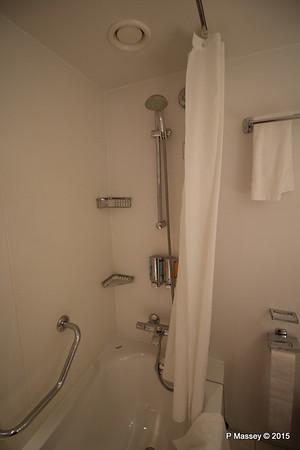 Bathroom Aurea Suite 15022 MSC POESIA 21-11-2015 16-06-52