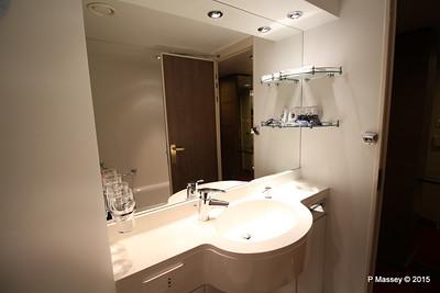 Bathroom Aurea Suite 15022 MSC POESIA 21-11-2015 16-05-14