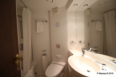 Bathroom Aurea Suite 15022 MSC POESIA 21-11-2015 16-04-28