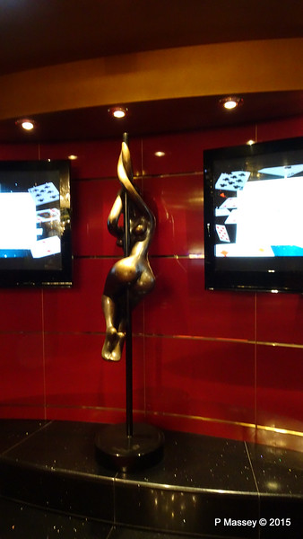 Corsini Sculpture Casino Royal Manzoni Deck 7 MSC POESIA 02-12-2015 11-55-43
