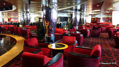 Pigalle Lounge Aft Manzoni Deck 7 MSC POESIA PDM 29-11-2015 08-13-06