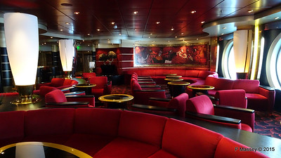 Pigalle Lounge Aft Manzoni Deck 7 MSC POESIA PDM 29-11-2015 08-13-36