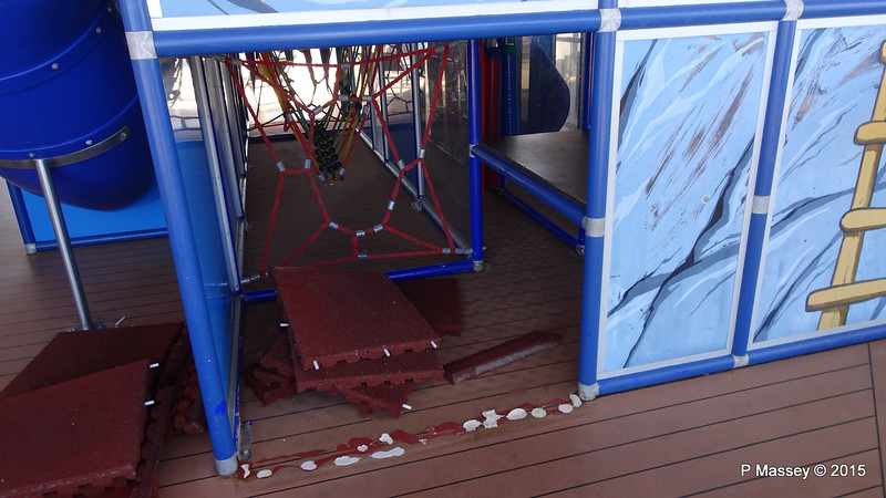 Childrens Play Area Mat Clean MSC POESIA 02-12-2015 11-50-21
