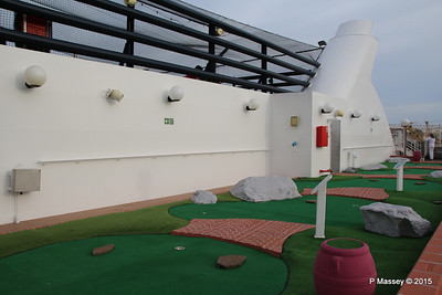 Mini Golf Alfieri Deck 15 Port Aft MSC POESIA 24-11-2015 15-09-49