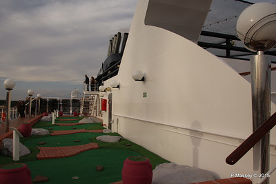 Mini Golf Alfieri Deck 15 aft MSC POESIA 24-11-2015 15-11-26