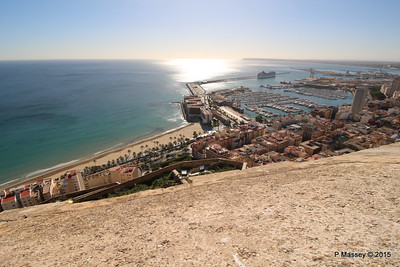 MSC POESIA & Alicante from Castillo Santa Barbara 26-11-2015 12-50-35