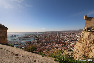 MSC POESIA & Alicante from Castillo Santa Barbara 26-11-2015 12-50-09