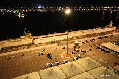 Bari Quay Night Lighthouse 22-11-2015 18-01-15
