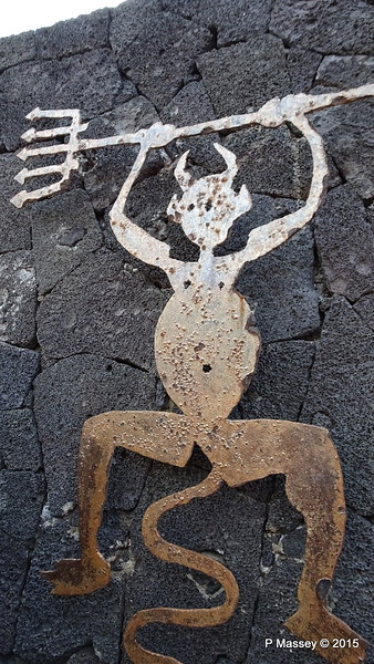 Devil Symbol Mountains of Fire Parque Nacional Timanfaya PDM 30-11-2015 11-15-47