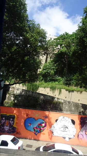 Graffiti Along Av Trinta e Um de Marco Rio de Janeiro PDM 09-12-2015 09-11-10