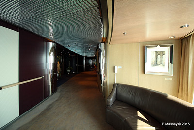Hallway by Culinary Arts Centre Queen's Lounge NIEUW AMSTERDAM 24-07-2015 08-13-15