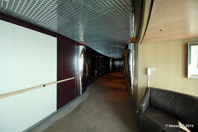 Hallway by Culinary Arts Centre Queen's Lounge NIEUW AMSTERDAM 24-07-2015 08-13-015