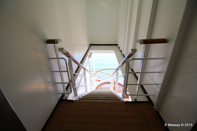 Port Stairway to Deck from Silk Den Tamarind NIEUW AMSTERDAM 25-07-2015 14-03-41