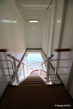 Port Stairway to Deck from Silk Den Tamarind NIEUW AMSTERDAM 25-07-2015 14-03-54