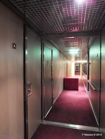 Hallway to Fitness Centre NIEUW AMSTERDAM 26-07-2015 20-40-45