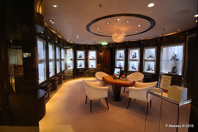 Merabella Luxury Shopping Promenade Deck NIEUW AMSTERDAM 22-07-2015 06-25-18