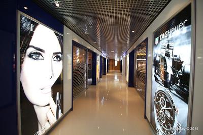 Shopping Promenade Deck NIEUW AMSTERDAM 22-07-2015 06-23-45