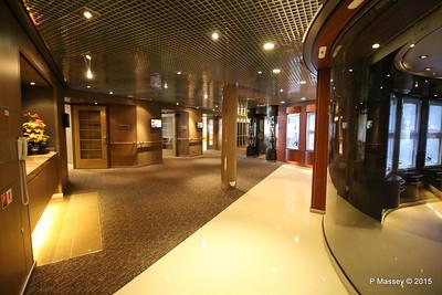 Shopping Promenade Deck NIEUW AMSTERDAM 22-07-2015 06-25-09
