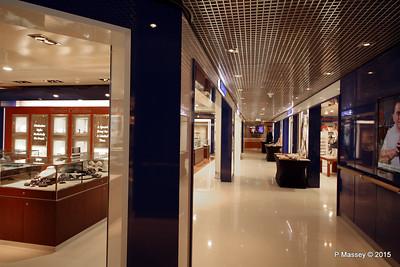 Shopping Prom Deck 3 NIEUW AMSTERDAM 24-07-2015 07-59-50