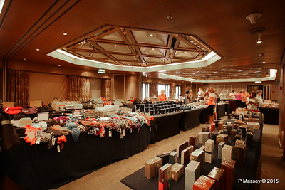 Sales Jumble in the Hudson Room Prom Deck 3 NIEUW AMSTERDAM 25-07-2015 07-19-20