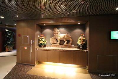 Lion of St Mark Verona Marble Replica C20 Prom Deck NIEUW AMSTERDAM 22-07-2015 06-25-36