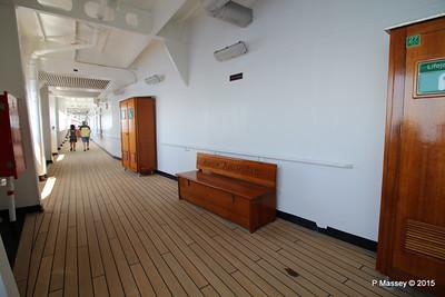 Lifevest Benches Promenade Deck 3 NIEUW AMSTERDAM 16-07-2015 12-24-21