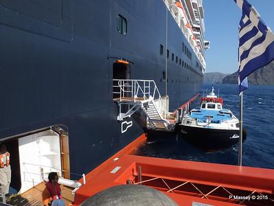 Tender MELINA alongside NIEUW AMSTERDAM Santorini PDM 18-07-2015 06-31-026