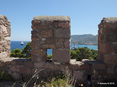 ARIADNE NIEUW AMSTERDAM through Castle of Mytilene South Wall Parapets 21-07-2015 11-56-31