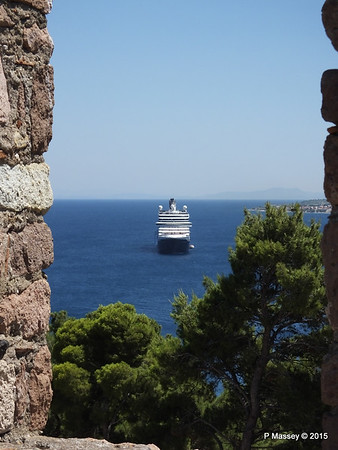 NIEUW AMSTERDAM through Castle of Mytilene South Wall Parapets 21-07-2015 11-56-026
