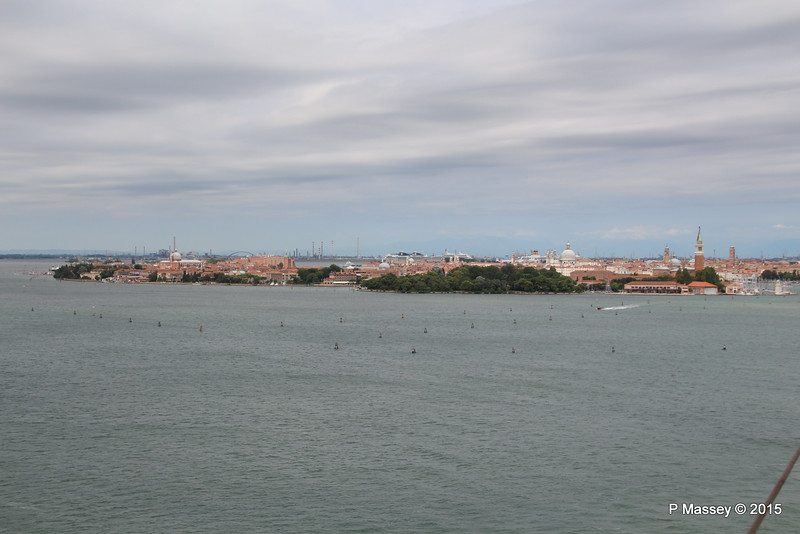 Over Venice & Cruise Ships to Marghera 26-07-2015 10-35-56