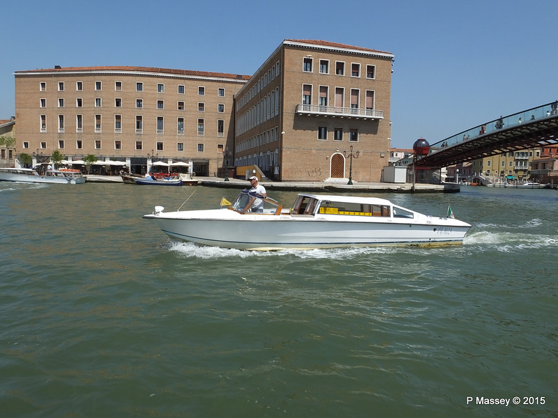 Water Taxi VE 8029 Restaurants Railway Station Shopping Grand Canal Venice 27-07-2015 12-04-38