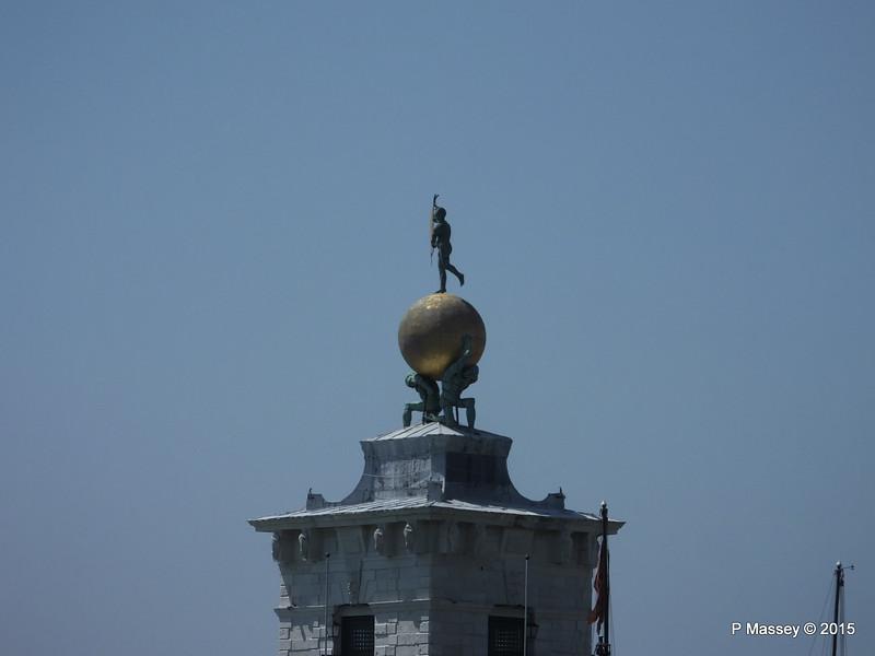 Atlas Bronze Globe Bernando Falcone Punta Della Dogana Venice 27-07-2015 10-13-03