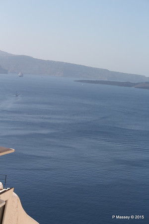 Caldera with distant NIEUW AMSTERDAM from Oia Santorini PDM 18-07-2015 08-46-48